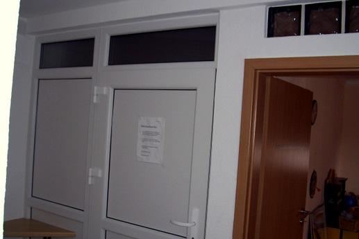 sanierung 1 2 familienhaus kabadayi fenster t ren und rolll den in pforzheim. Black Bedroom Furniture Sets. Home Design Ideas